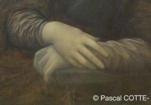Mona Lisa tient une couverture